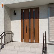 玄関ドアのリフォームで快適生活!!画像